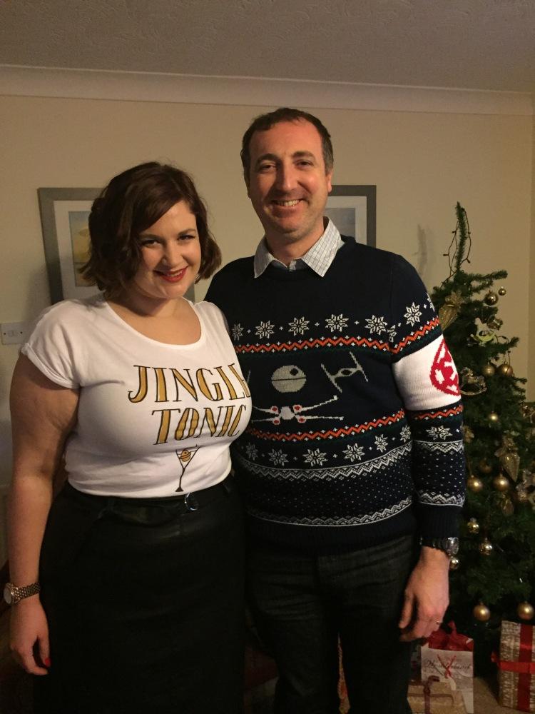 Curvy Girl Thin in jingle bells t-shirt