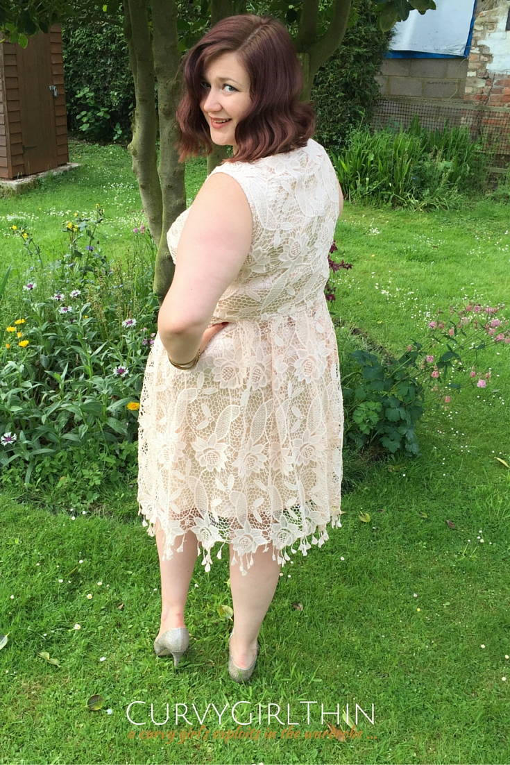 What to Wear to a Wedding? The Boho Guide*-2