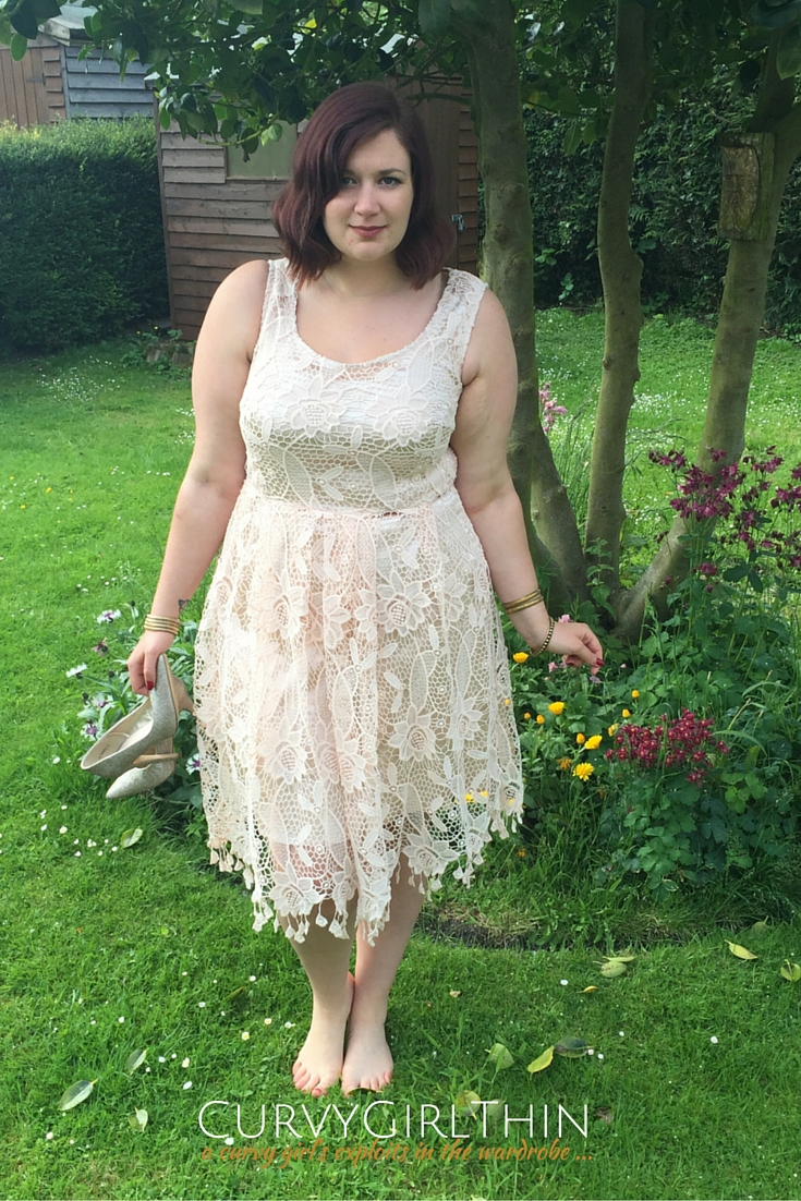 What to Wear to a Wedding? The Boho Guide*-5